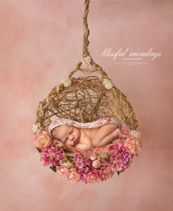 Award Winning Newborn Photographer | Portland Oregon Baby Photography